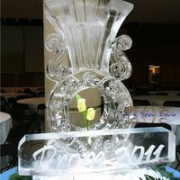 Thumb_tulip_ice_vase_ice_sculpture