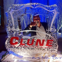 Thumb_clune_photo_op_ice_sculpture