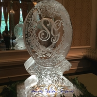 Thumb_monogram_with_floral_scroll_double_luge_ice_sculpture
