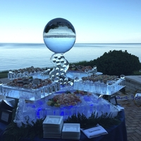 Thumb_blue_moon_shully_s_seafood_display_ice_sculpture_by_lake_michigan