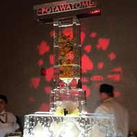 Thumb_savory_infuser_ice_sculpture_at_the_grand_opening_of_the_hotel_at_potawatomi_casino