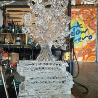 Thumb_halloween_spooky_tree_3-d_ice_sculpturewm