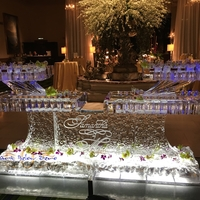 Thumb_bubbly_ice_seafood_table_for_samantha___michael
