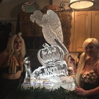 Thumb_buzzard_vulture_and_pumpkin_for_halloween_ice_sculpture
