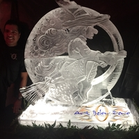 Thumb_wicked_witch_on_a_broomstick_halloween_ice_sculpture