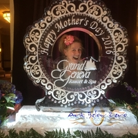 Thumb_ice_frame_interactive_ice_sculpture_for_mother_s_day_at_the_grand_geneva_resort_016