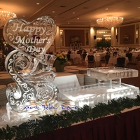 Thumb_swirly_heart_and_2_level_platter_for_mother_s_day_ice_sculpture