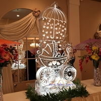 Thumb_baby_stroller_with_umbrella_raining_love_ice_sculpture_hearts