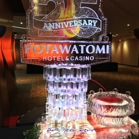 Thumb_potawatomi_hotel___casino_25_th._anniversary_fountain_ice_sculpture