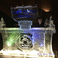 Thumb_grey_goose_vodka_ice_bar_at_turner_hall_ballroom_2016