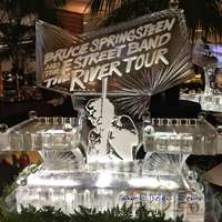 Thumb_bruce_springsteen_and_the_e_street_band_the_river_tour_cape_cod_ice_sculpture