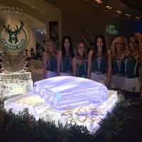 Thumb_milwaukee_bucks_new_arena_3d_ice_sculpture_and_logo3