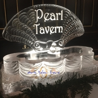 Thumb_clamshell_seafood_holder_with_logo_ice_sculpture
