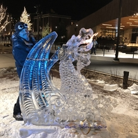 Thumb_dragon_breathing_fire_at_titletown_ice_sculpture