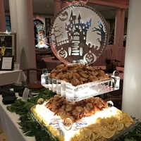 Thumb_petite_2_tier_seafood_display_with_halloween_ornament_ice_sculpture