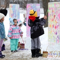 Thumb_ice_canvas_interactive_ice_painting_art_below_zero