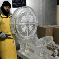 Thumb_time_machine_by_h.g._wells_ice_sculpture_by_max_zuleta