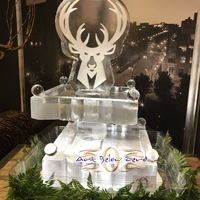 Thumb_milwaukee_bucks_petit_2_tier_seafood_display_ice_sculpture