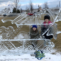 Thumb_rocket_space_ship_at_kenosha_s_snow_daze