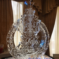 Thumb_chandellier_for_bartenders_on_the_go_at_the_mke_magnificent_bride_ice_sculpture