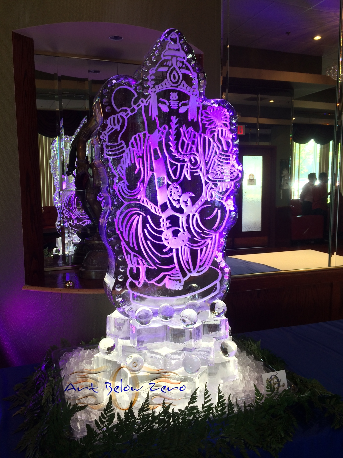 Ganesh_snowfilled_on_lotus_flower_pedestal_ice_sculpture